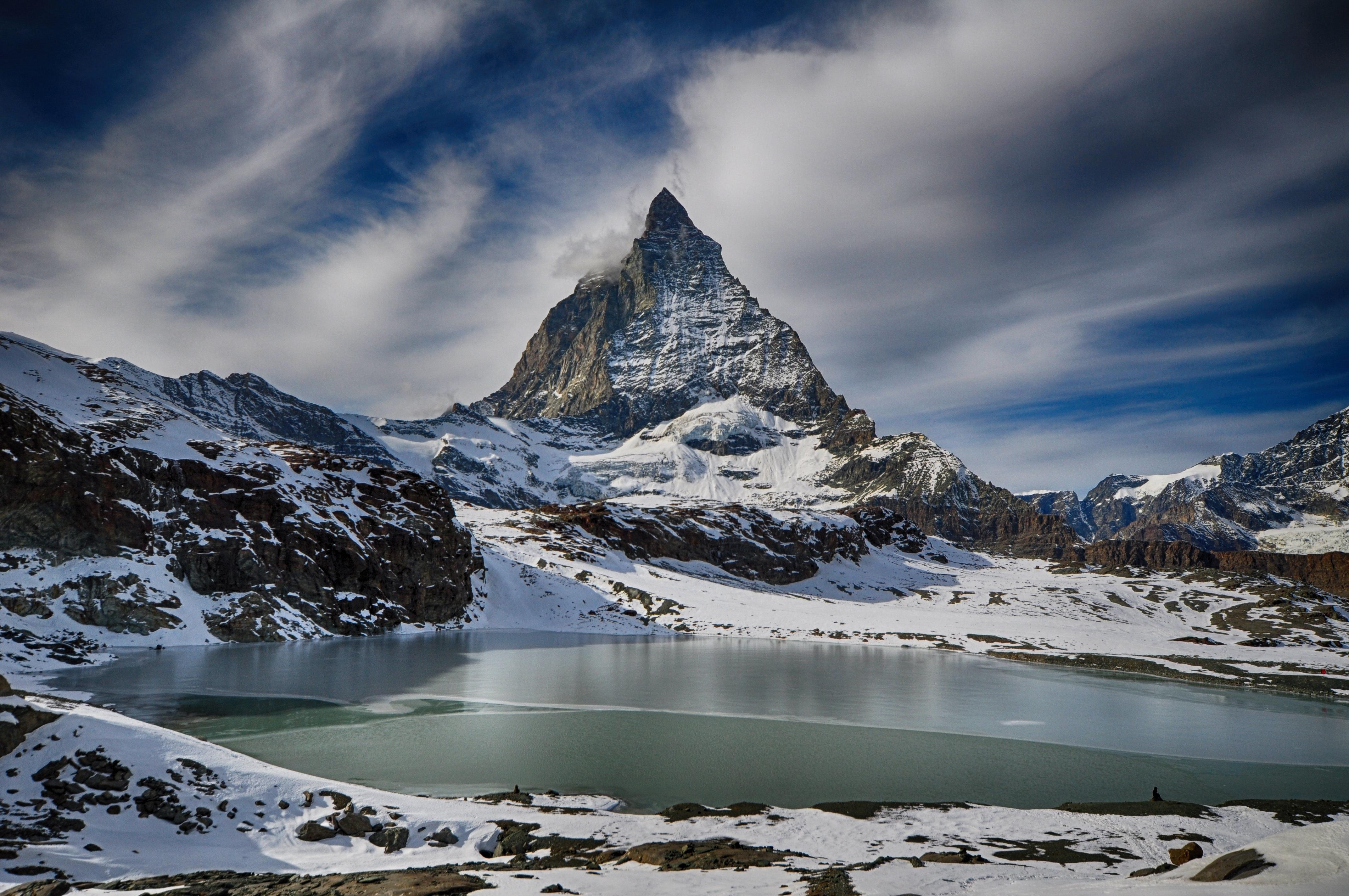 Digitizing Outdoor Uncertainty in Valais